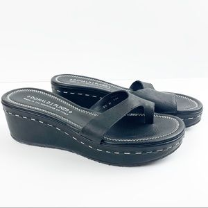 Donald J Pliner salya sandal